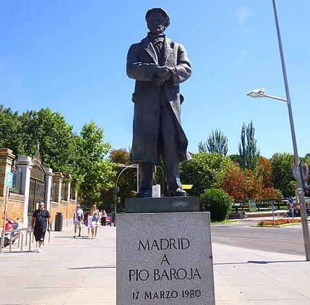 Estatua Pio Baroja